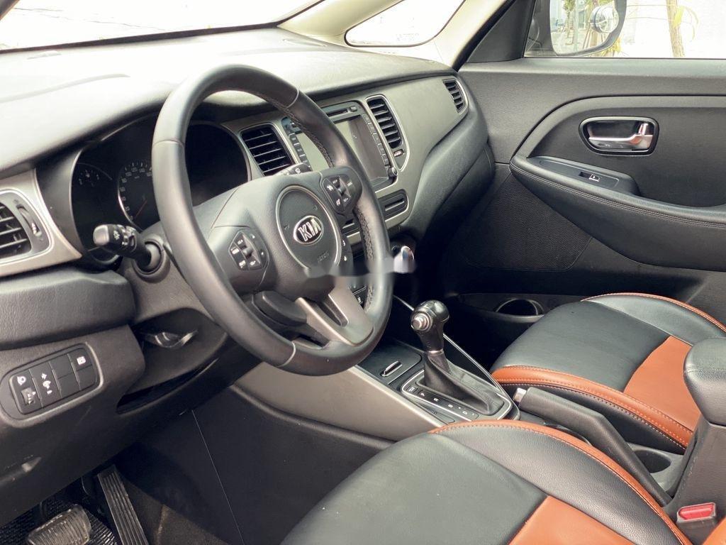 Cần bán lại xe Kia Rondo đời 2015, màu nâu, 485 triệu (6)