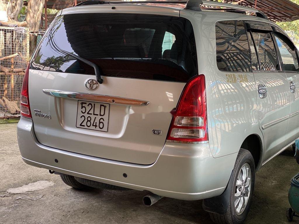 Cần bán Toyota Innova 2008, màu bạc chính chủ (7)
