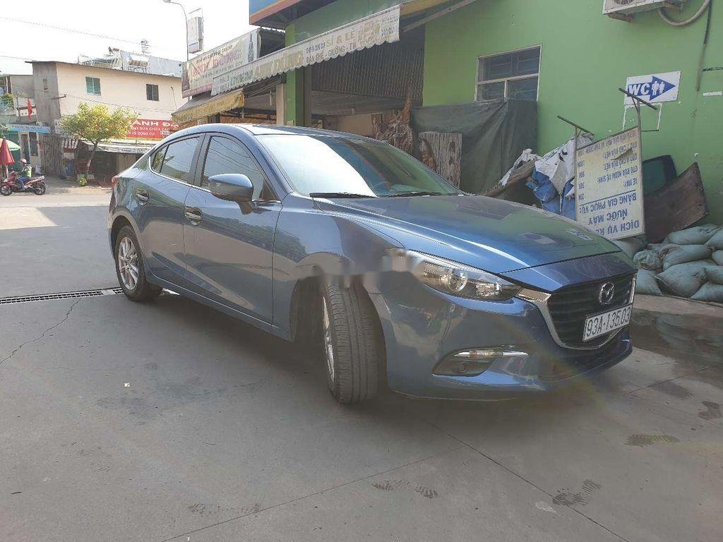 Xe Mazda 3 năm sản xuất 2018, màu xanh lam ít sử dụng (2)