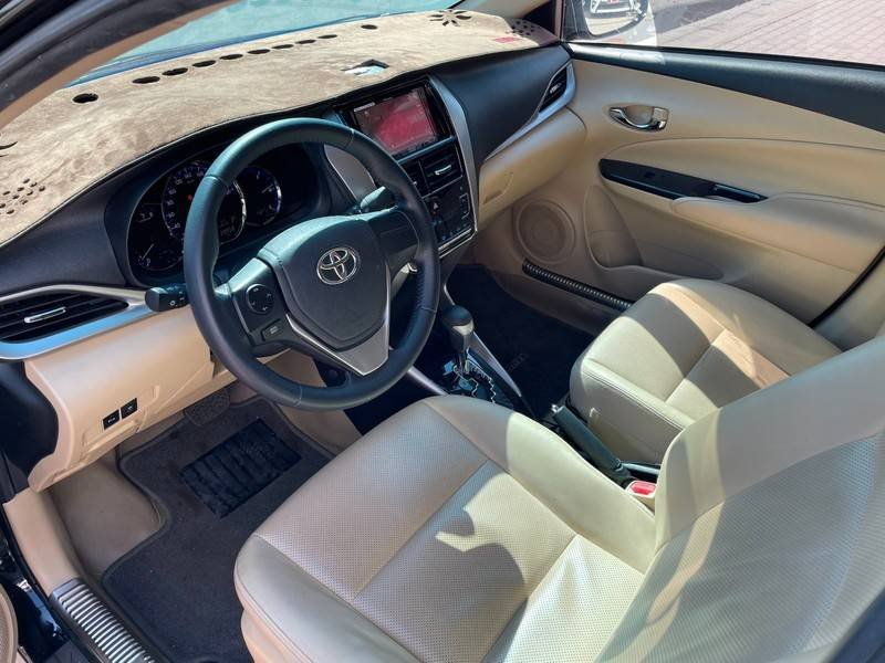 Cần bán gấp Toyota Vios đời 2019, màu đen chính chủ, giá 550tr (8)