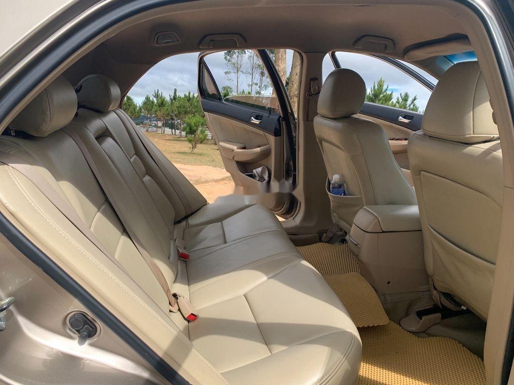 Cần bán xe Honda Accord năm sản xuất 2004, màu vàng, nhập khẩu (12)