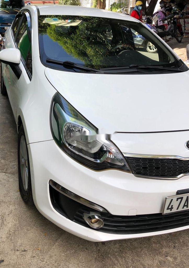 Xe Kia Rio năm sản xuất 2016, màu trắng còn mới, giá 329tr (3)