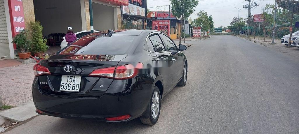 Bán Toyota Vios đời 2019, màu đen số sàn, giá tốt (4)
