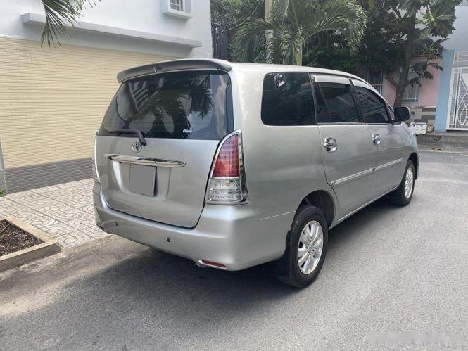 Cần bán gấp Toyota Innova G sản xuất 2012, màu bạc chính chủ, 343tr (10)