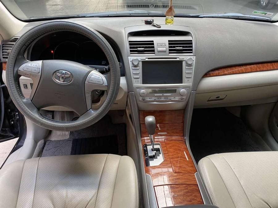 Bán xe Toyota Camry 2.4G năm sản xuất 2011, màu đen chính chủ (12)