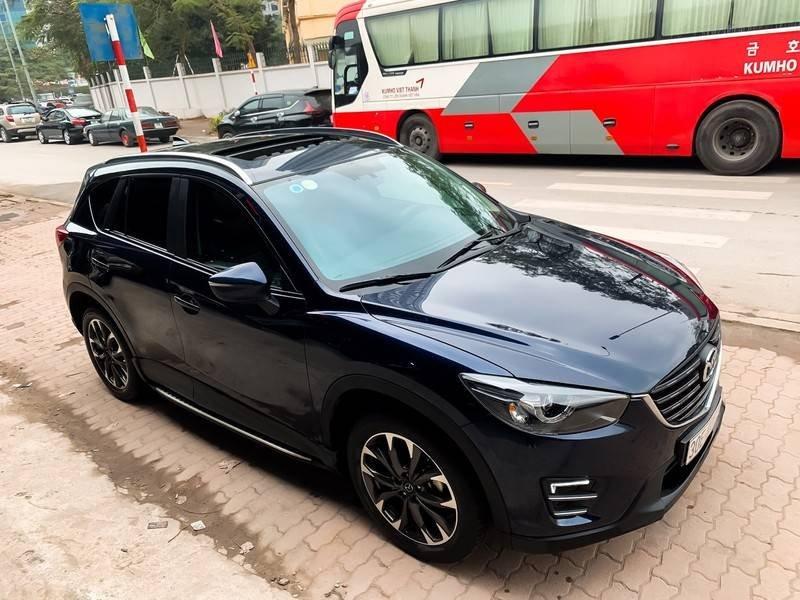 Cần bán Mazda 5 sản xuất năm 2017, màu đen chính chủ, giá tốt (2)