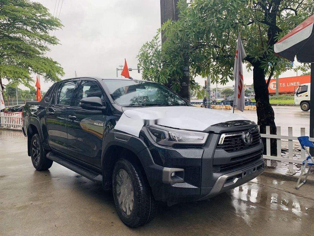 Bán Toyota Hilux 2021, màu đen, nhập khẩu nguyên chiếc (3)