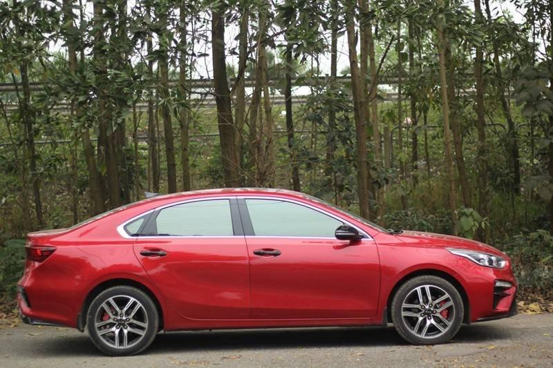 Cần bán Kia Cerato năm 2020, màu đỏ, nhập khẩu  (7)