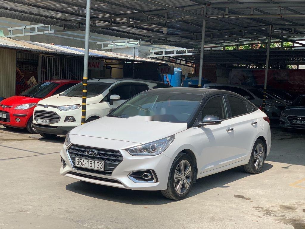 Xe Hyundai Accent 2018, màu trắng (1)