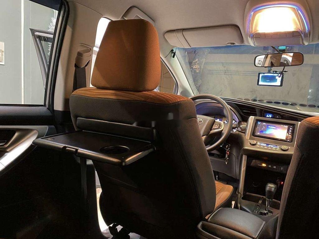 Bán Toyota Innova đời 2019, màu xám còn mới, giá chỉ 750 triệu (7)