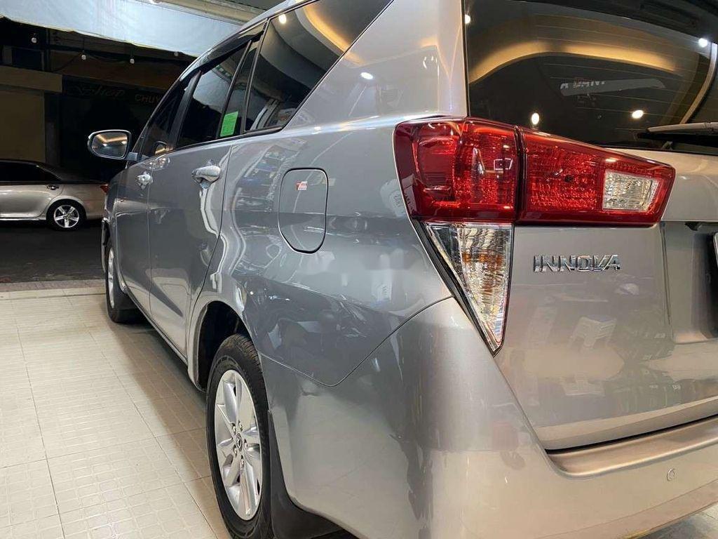 Bán Toyota Innova đời 2019, màu xám còn mới, giá chỉ 750 triệu (9)
