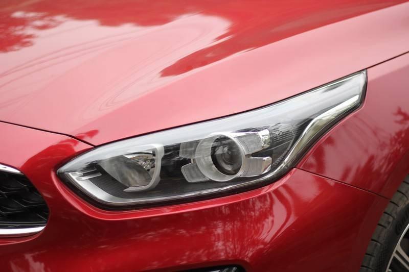 Cần bán Kia Cerato năm 2020, màu đỏ, nhập khẩu  (23)