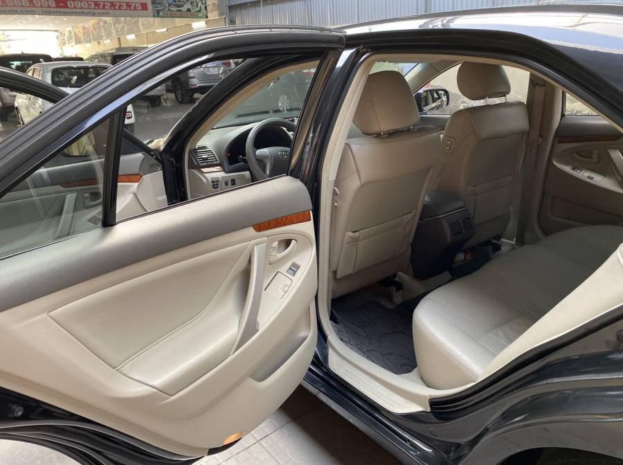 Bán xe Toyota Camry 2.4G năm sản xuất 2011, màu đen chính chủ (13)