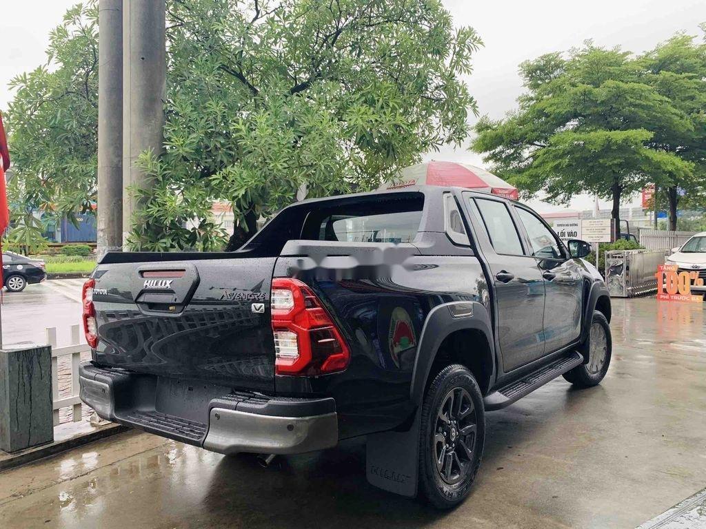 Bán Toyota Hilux 2021, màu đen, nhập khẩu nguyên chiếc (1)
