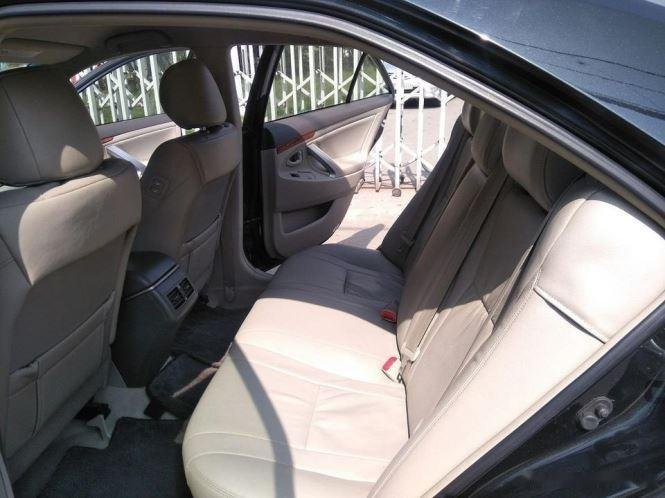 Cần bán lại xe Toyota Camry 2.4G năm sản xuất 2011, màu đen (4)