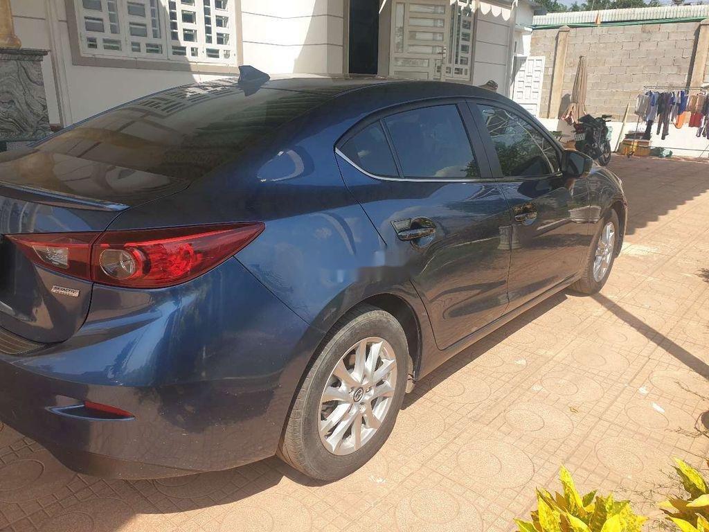 Xe Mazda 3 năm sản xuất 2018, màu xanh lam ít sử dụng (3)