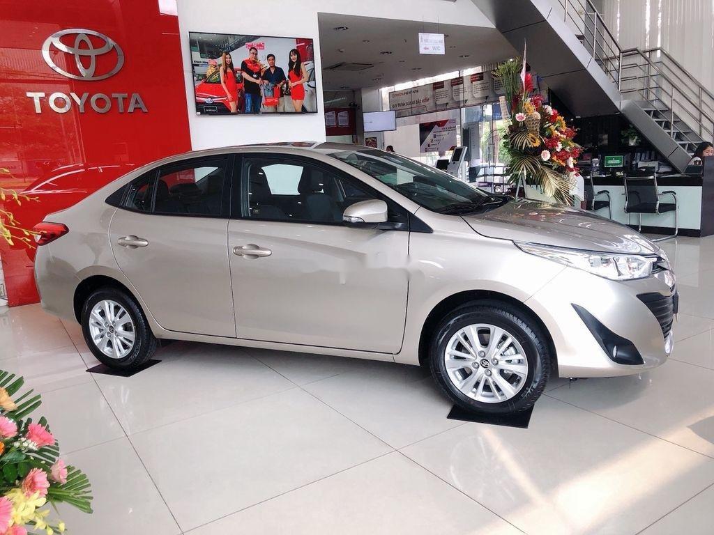Bán xe Toyota Vios năm sản xuất 2021, màu bạc (2)