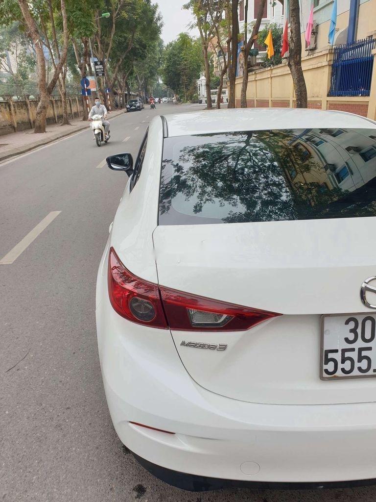 Bán Mazda 3 sản xuất năm 2015, màu trắng, số tự động (2)