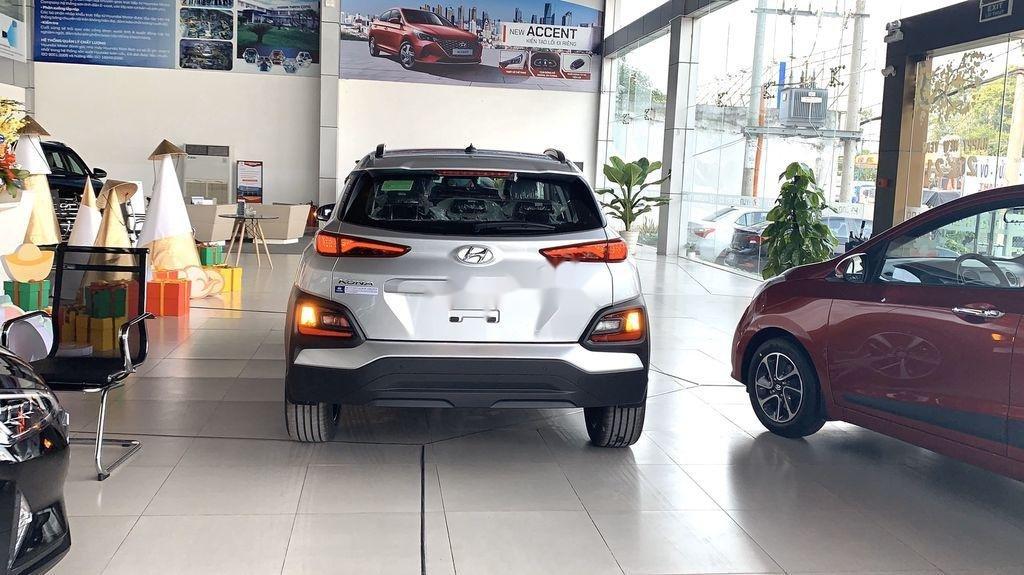 Bán ô tô Hyundai Kona đời 2021, màu bạc (6)