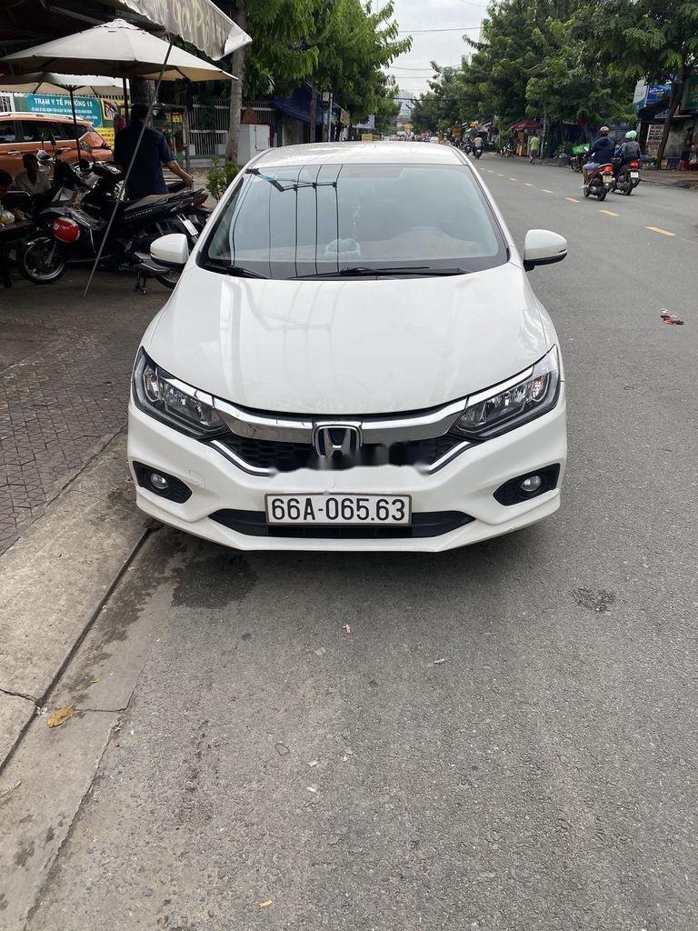 Cần bán xe Honda City 2018, màu trắng còn mới (2)