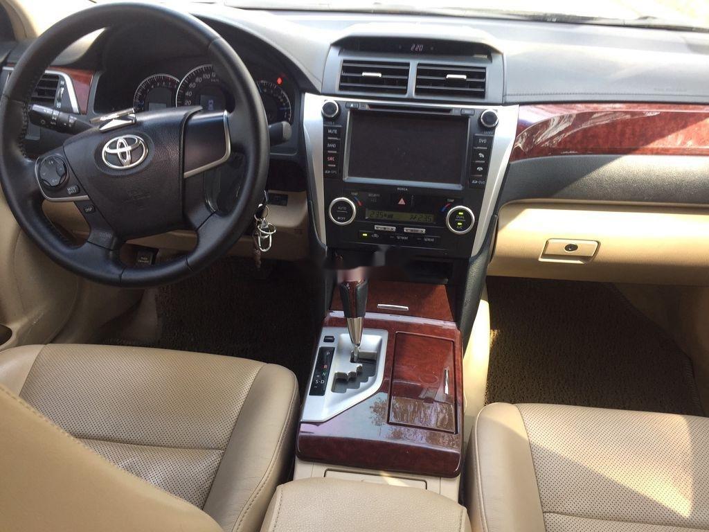 Bán ô tô Toyota Camry sản xuất năm 2013 còn mới (8)
