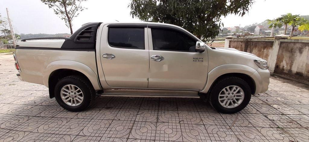 Xe Toyota Hilux sản xuất năm 2015, xe nhập, giá ưu đãi (5)