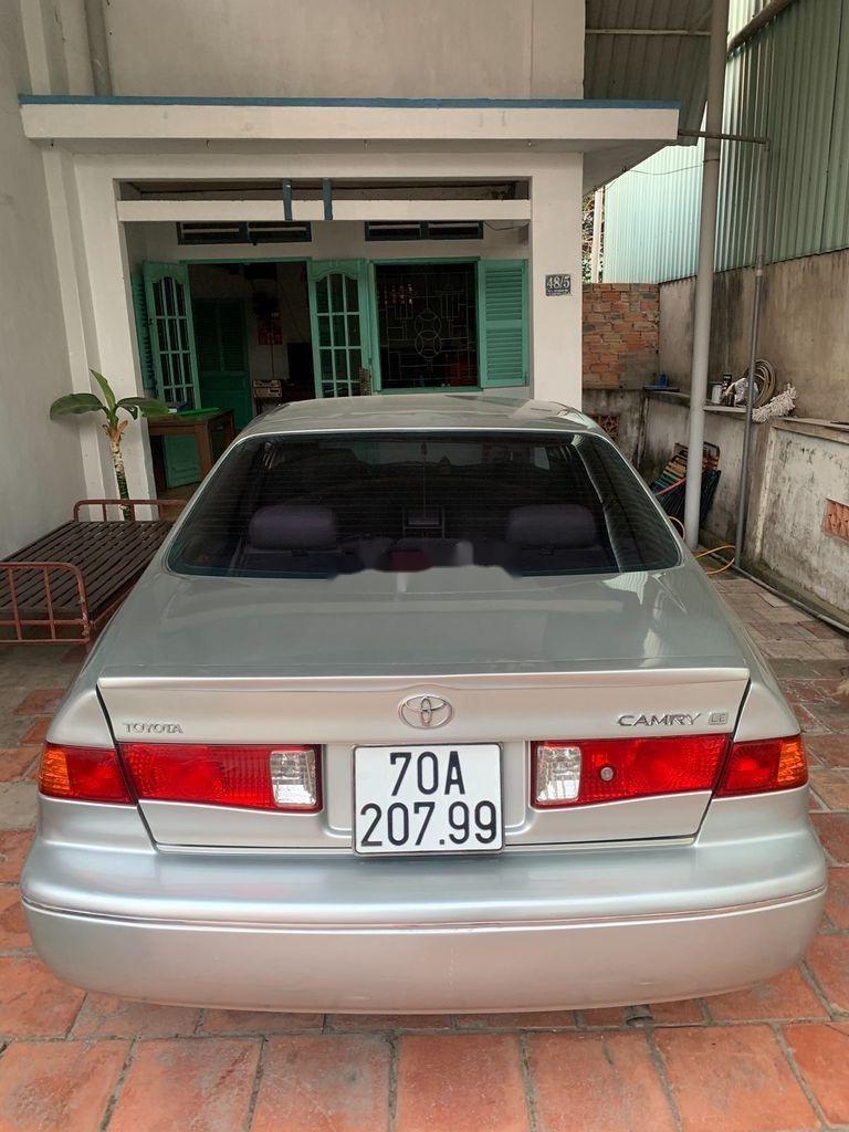 Cần bán Toyota Camry sản xuất 2000, xe nhập còn mới, giá 265tr (4)