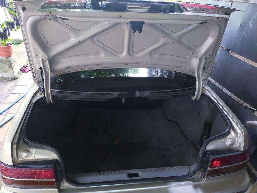 Cần bán xe Toyota Corona sản xuất 1990, xe nhập còn mới (6)