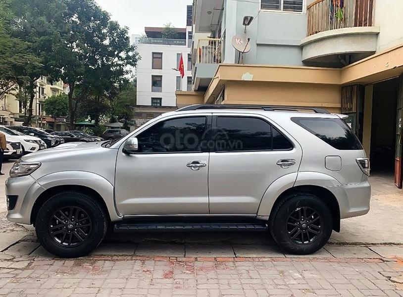 Cần bán gấp Toyota Fortuner 2.5G sản xuất 2016, màu bạc xe gia đình (4)