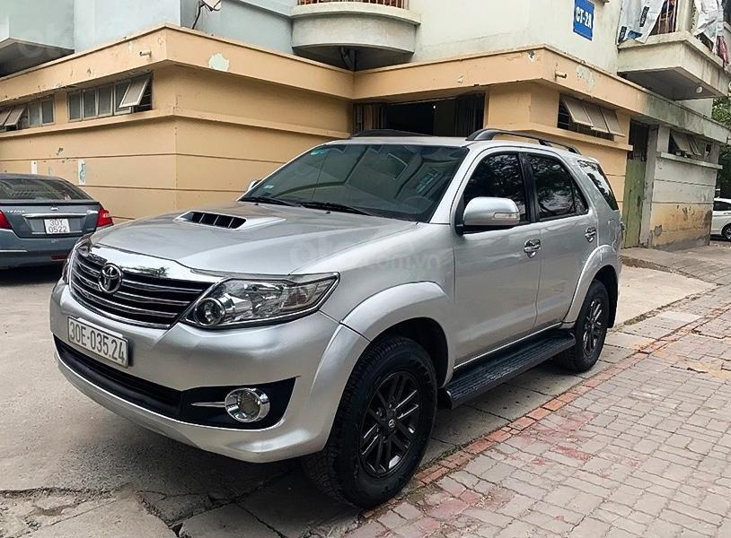 Cần bán gấp Toyota Fortuner 2.5G sản xuất 2016, màu bạc xe gia đình (1)