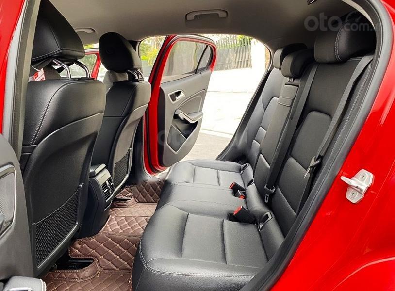 Bán Mercedes GLA200 Class năm 2016, màu đỏ, nhập khẩu (5)