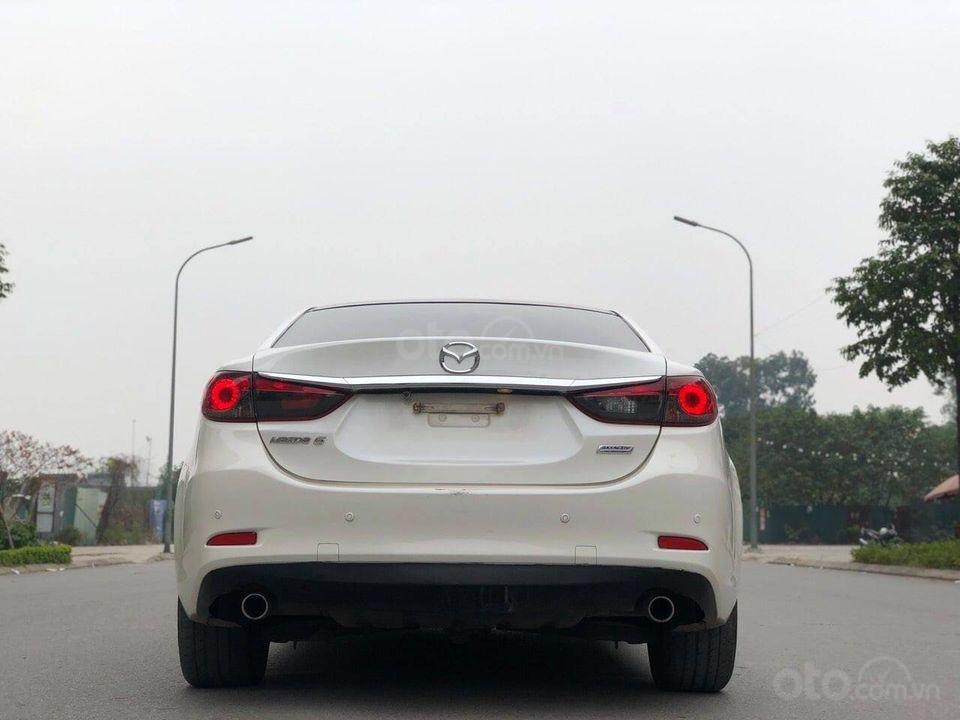 Cần bán gấp Mazda 6 2.0 đời 2015, màu trắng chính chủ (4)