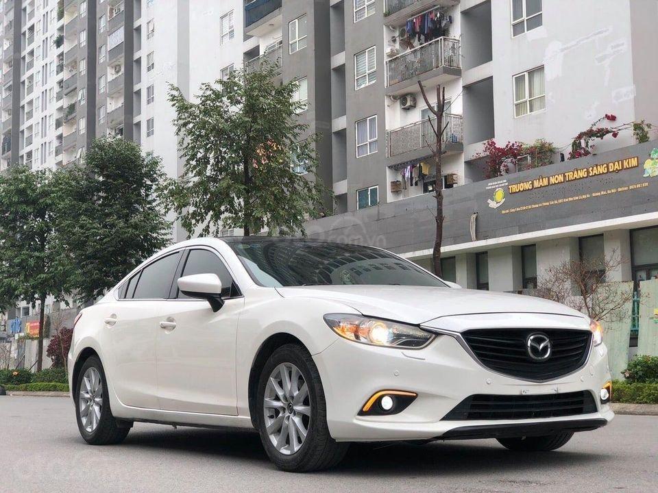 Cần bán gấp Mazda 6 2.0 đời 2015, màu trắng chính chủ (3)