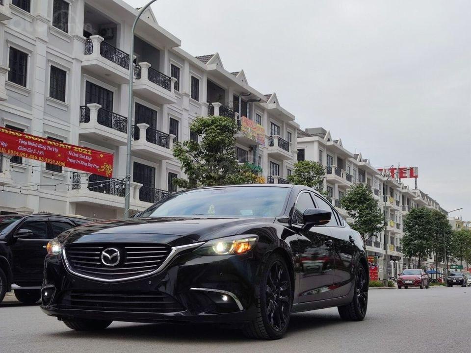 Bán gấp giá tốt Mazda 6 2.5 Premium đời 2017, màu đen chính chủ (2)