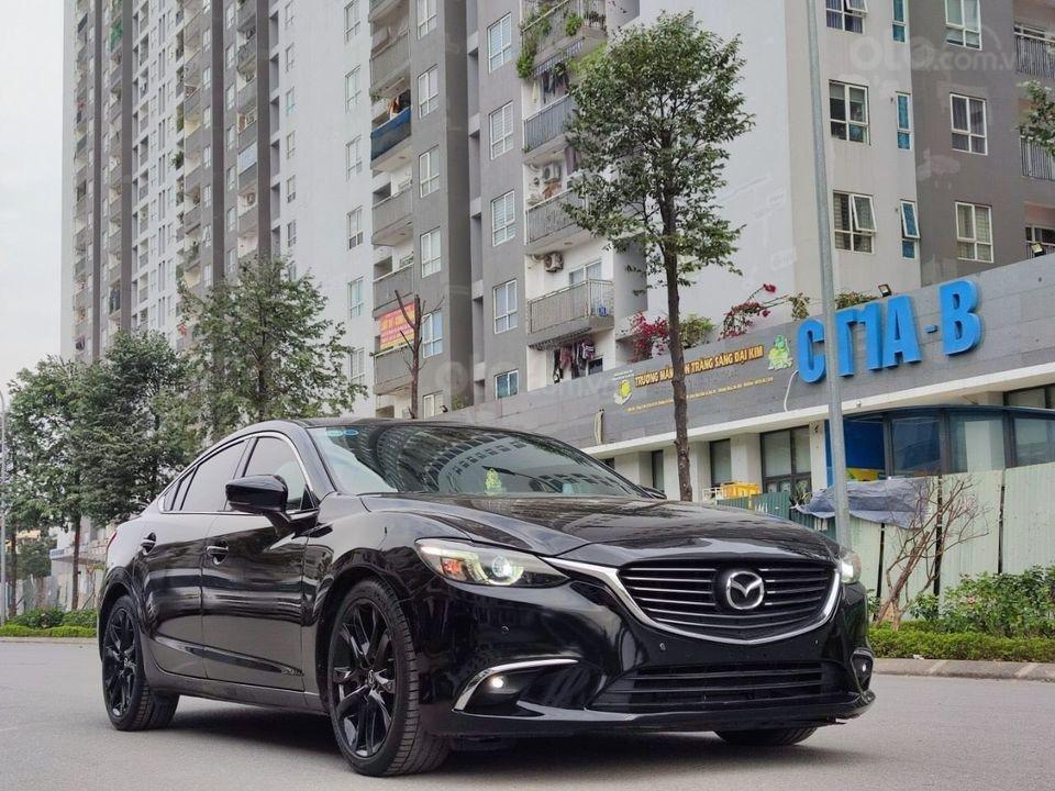 Bán gấp giá tốt Mazda 6 2.5 Premium đời 2017, màu đen chính chủ (3)