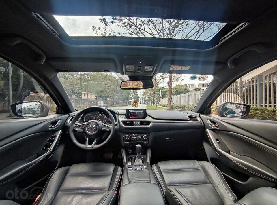 Bán gấp giá tốt Mazda 6 2.5 Premium đời 2017, màu đen chính chủ (4)