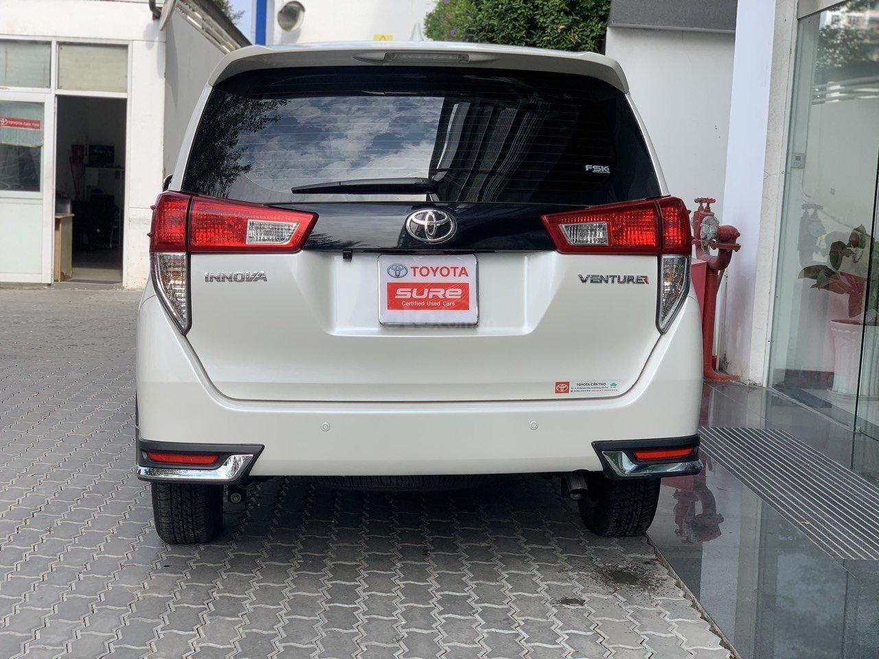 Bán xe Toyota Innova Venturer 2019, 830tr, đồ chơi nhiều (5)