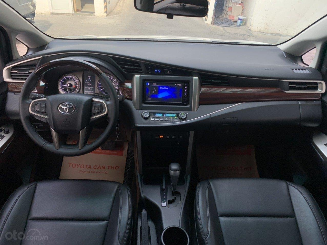Bán xe Toyota Innova Venturer 2019, 830tr, đồ chơi nhiều (9)