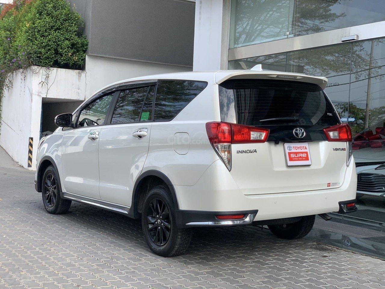 Bán xe Toyota Innova Venturer 2019, 830tr, đồ chơi nhiều (4)