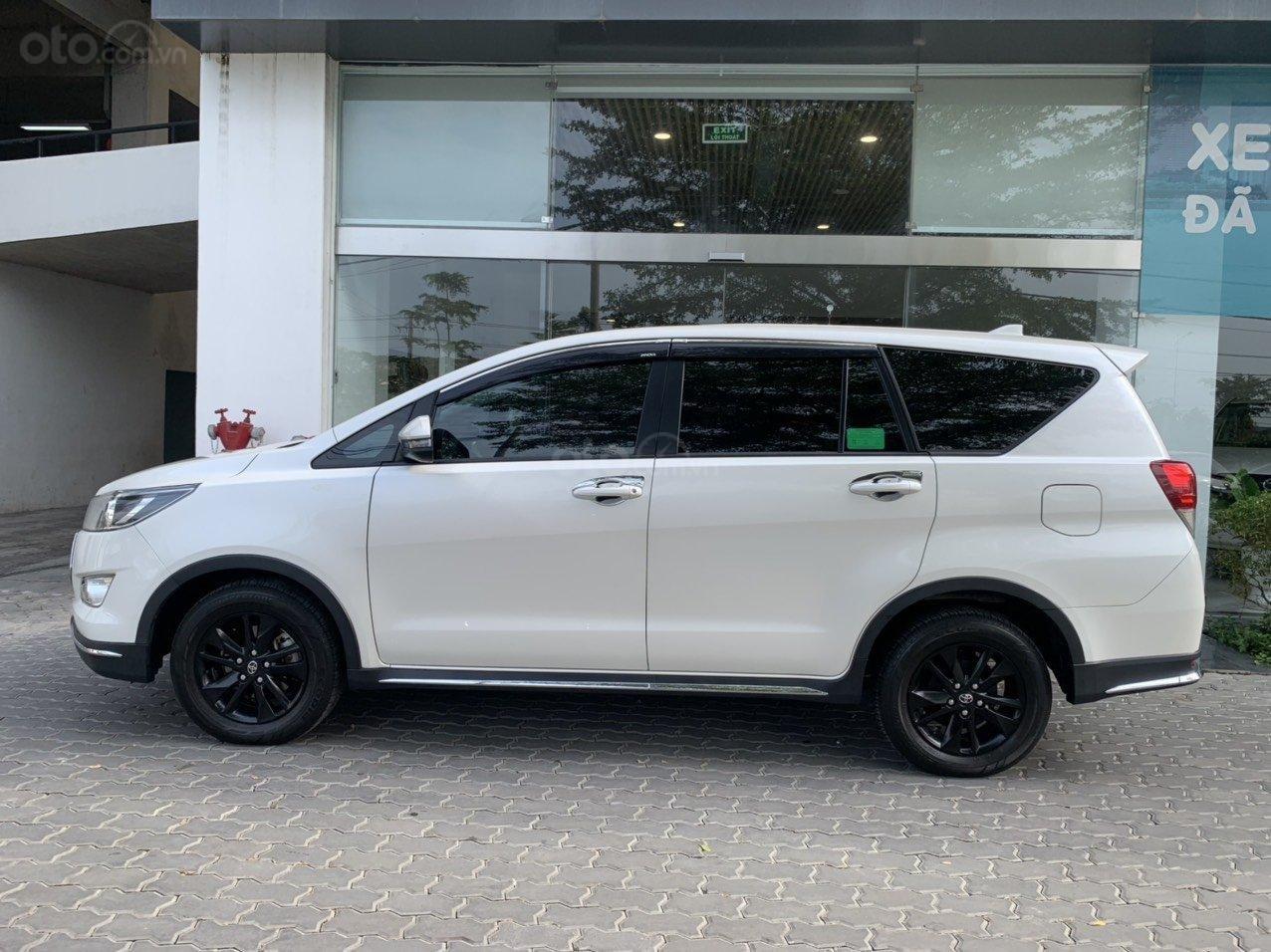 Bán xe Toyota Innova Venturer 2019, 830tr, đồ chơi nhiều (6)