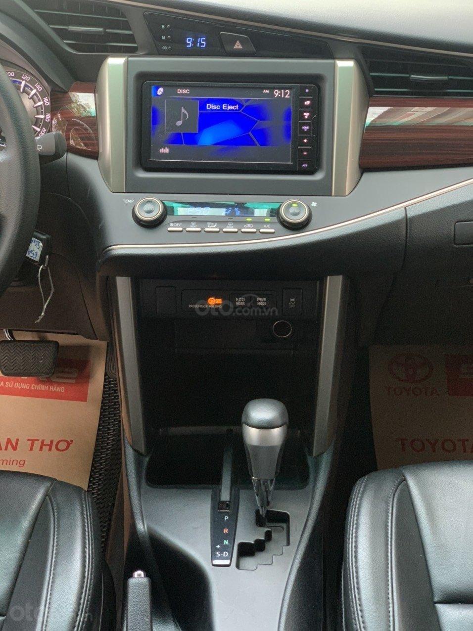 Bán xe Toyota Innova Venturer 2019, 830tr, đồ chơi nhiều (11)