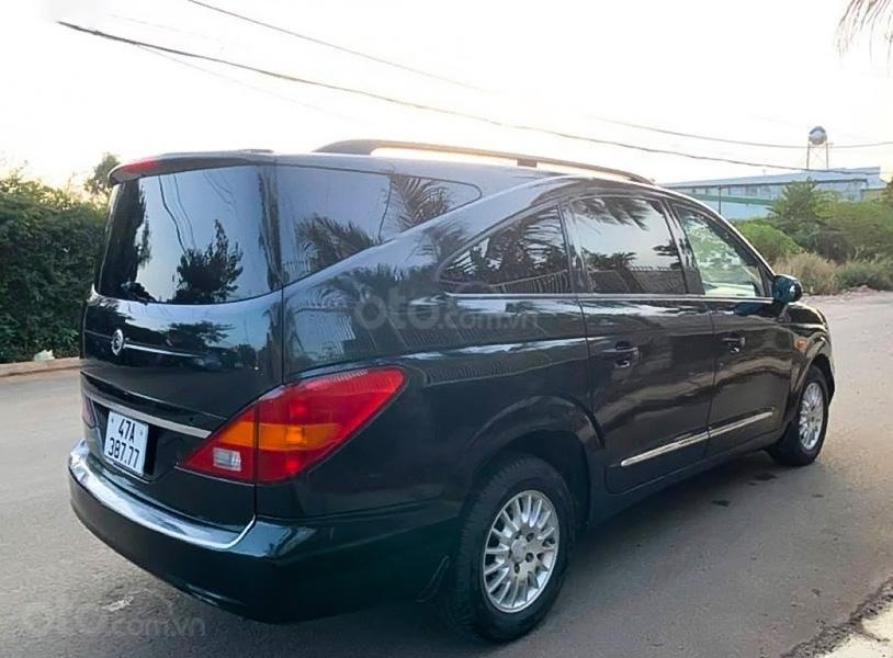 Bán ô tô Ssangyong Stavic năm sản xuất 2008, màu đen như mới (3)