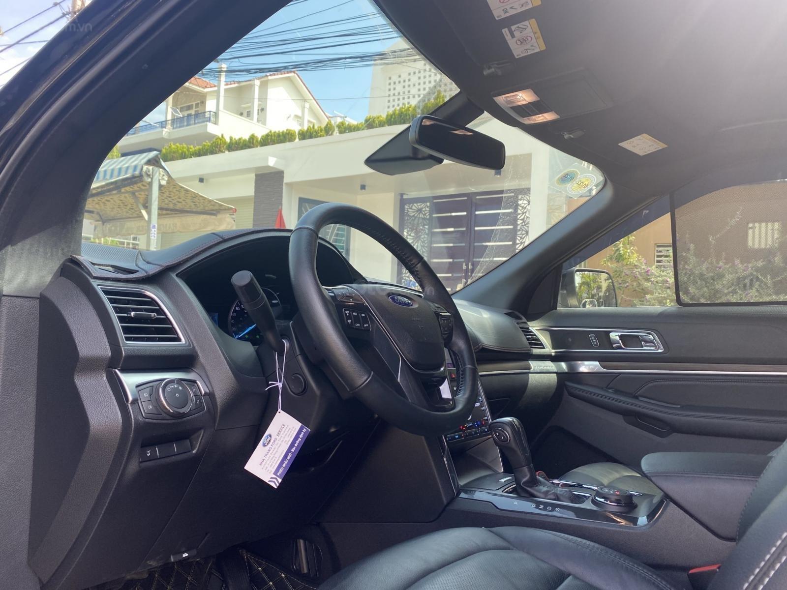 Ford Explorer đen 2019 phong cách đầy mạnh mẽ (7)