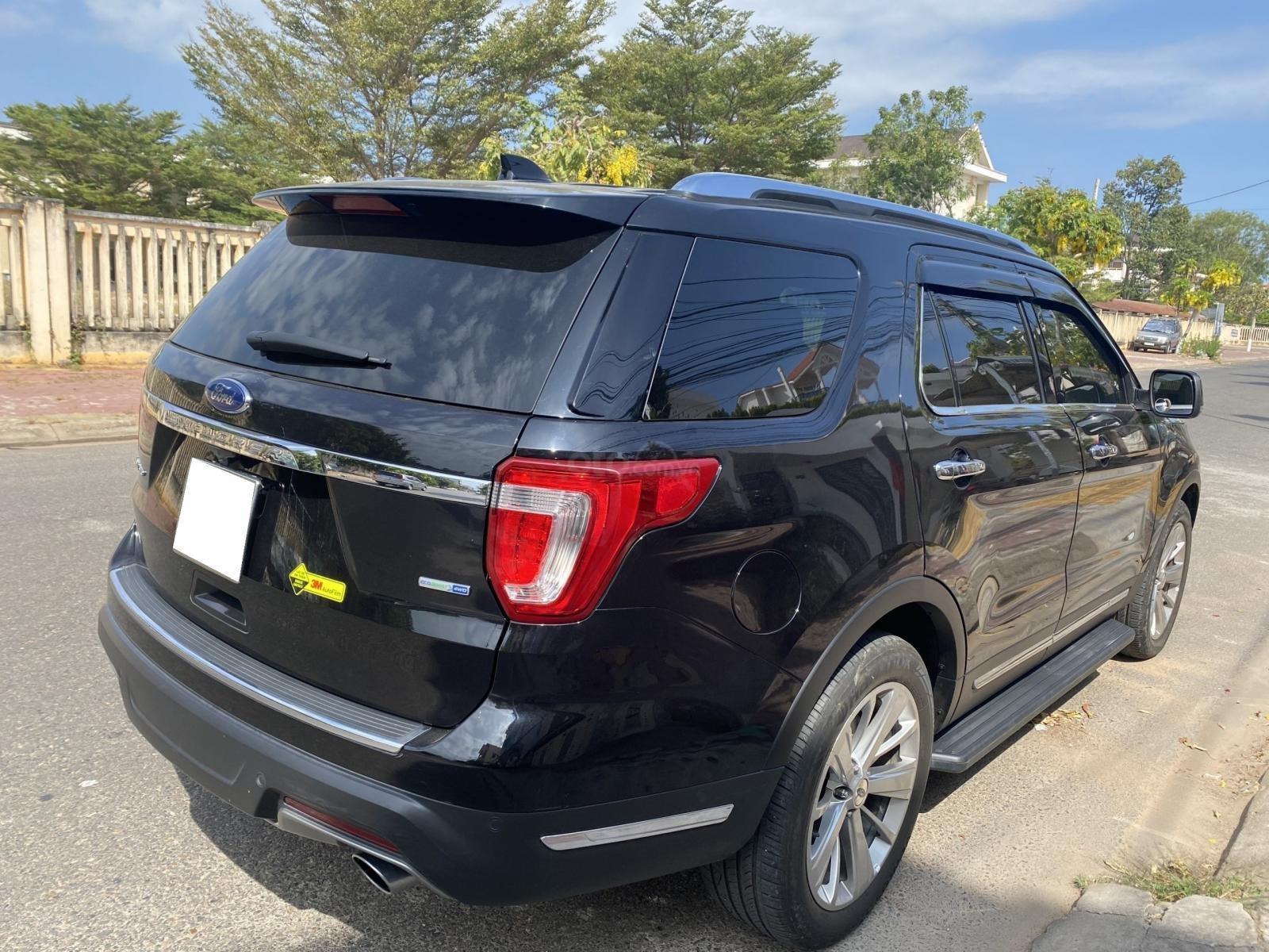 Ford Explorer đen 2019 phong cách đầy mạnh mẽ (4)