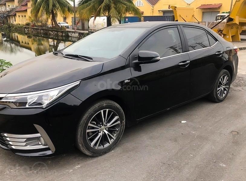 Cần bán gấp Toyota Corolla Altis 1.8E AT năm sản xuất 2018, màu đen còn mới (1)