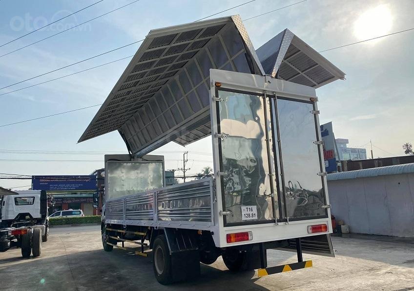 Cần bán xe tải DongFeng thùng kín cánh dơi mới 2021, giá hỗ trợ vay vốn năm 2021 (9)