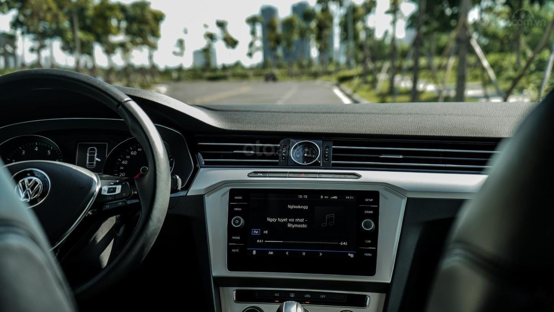 Sedan hạng D nhập Đức 100% - Passat Bluemotion 1.8 Turbo giảm 177tr trừ trực tiếp vào hóa đơn + gói phụ kiện cao cấp (9)