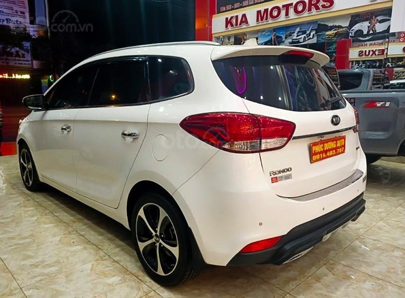 Cần bán gấp Kia Rondo 2016, màu trắng còn mới (3)