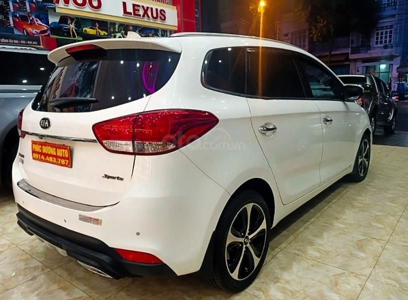 Cần bán gấp Kia Rondo 2016, màu trắng còn mới (4)