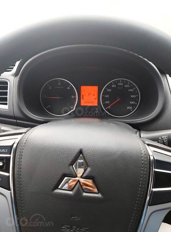 Bán xe Mitsubishi Triton năm 2017, màu bạc, giá chỉ 505 triệu (5)